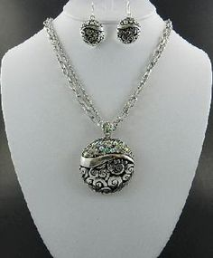 Hi Everyone,   I have added a ton of new items for Spring. Come and have a look.     http://yardsellr.com/yardsale/Tammy-Tumlinson-451629Scroll Designed Necklace and Earring Set