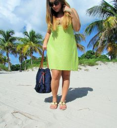 Beach Day up on the blog today at www.alicemarieh.com #summerstyle #beachfun #sunshine #lemons #pineapples #anntaylor #marysol