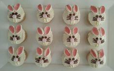 EASTER BUNNY CUPCAKES /Use any vegan cupcake recipe and vegan marshmallow.