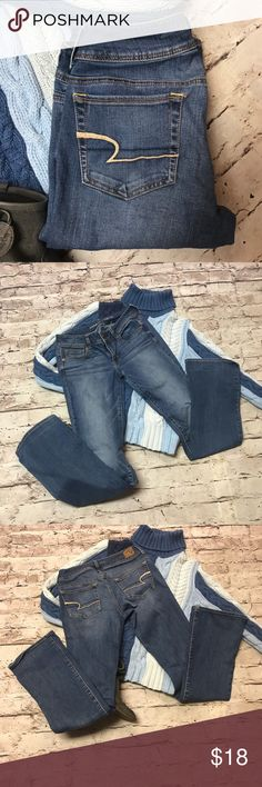 AMERICAN EAGLE OUTFITTERS KICK BOOT JEANS The favorite kick boot jeans by American Eagle Outfitters in gently used condition. American Eagle Outfitters Jeans Boot Cut
