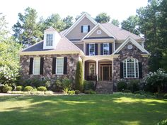 How to Paint House Exterior At CertaPro Painters of Westchester and South Connecticut we have a team of professional house painters that delivers more than top quality interior and exterior house painting. House Paint Exterior, Interior And Exterior, House Painting Services, Siding Repair, Painting Contractors, House Painters, Wood Siding, House Design, Mansions