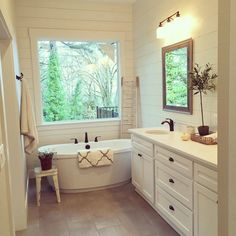29 Amazing Farmhouse Master Bathroom Remodel Ideas