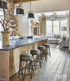 New House Interior Design Rustic Benches Ideas Modern Farmhouse Kitchens, Rustic Kitchen, Home Kitchens, Rustic Farmhouse, Kitchen Ideas, Contemporary Kitchens, Custom Kitchens, Farmhouse Fireplace, Wooden Kitchen