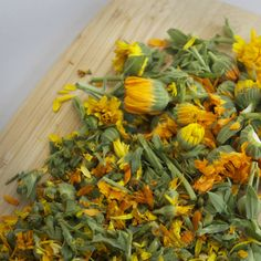 CALENDULA. These flowers are known for their calming, anti-inflammatory and skin-healing properties. Slightly astringent and antiseptic-especially good for skin that is sensitive, environmentally damaged, acneic, irritated or chapped.