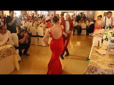 ECOS DEL ROCIO SEVILLANAS MIRIAM Y JONATHAN - YouTube Youtube, Backless, Around The Worlds, Formal Dresses, Celebrities, Fashion, Home, Flamingo, Champs