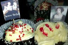 Twilight cupcakes med kokossmak Twilight, Cupcakes, Desserts, Food, Tailgate Desserts, Cupcake Cakes, Deserts, Essen, Postres