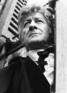"3º Doctor Who - Jon Pertwee from 1970 to 1974. ""A straight line may be the shortest distance between two points, but it is by no means is the most interesting."""