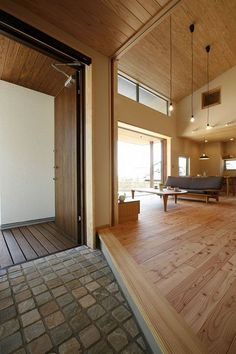 土間玄関から入るとすぐLDKが広がる。 Home Interior Design, Interior Architecture, Interior And Exterior, Style At Home, Japanese Interior, House Entrance, Japanese House, Minimalist Home, House Rooms