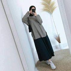 Stylish Hijab, Casual Hijab Outfit, Hijab Chic, Modest Outfits, Simple Outfits, Abaya Fashion, Fashion Outfits, Moslem Fashion, Mode Abaya