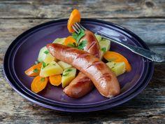 Røkte kjøttpølser med smørdampede rotgrønnsaker Sausage, Meat, Food, Sausages, Meals, Chinese Sausage