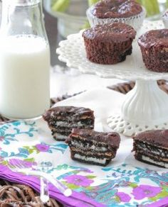15 Oreo Peanut Butter Brownie Cakes (put brownie mix in bottom then add the cookies as instructed)