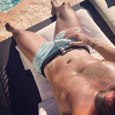 Ricky Martin Shirtless Pictures | POPSUGAR Latina Photo 13
