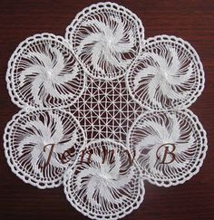 Jenny's Australian Needleart Journey: Lace For a Friend (Teneriffe Lace) Tenerife, Local Embroidery, Hand Embroidery, Needle Lace, Bobbin Lace, Loom Knitting, Knitting Patterns, Sculpture Textile, Lace Weave