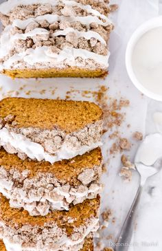 This Pumpkin Spice Bread with Streusel Topping is filled with warm fall flavors and a sweet crumbly topping. | Pumpkin bread with a crumble topping for a fall breakfast or autumn dessert. | Fall brunch pumpkin recipe that is filled with warm pumpkin spice flavors. | Streusel topped pumpkin spice bread recipe to make for breakfast, brunch, or even dessert. | Fall pumpkin recipe that's easy and delicious! | Pumpkin bread topped with streusel and icing. Pumpkin Dessert, Pumpkin Cheesecake, Fall Desserts, Dessert Recipes, Easter Desserts, Breakfast Recipes, Birthday Desserts, Pumpkin Recipes, Fall Recipes