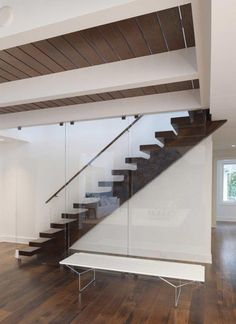 Stair detail - Waterfront Home in Oyster Bay, Long Island Designed by Charles J. Nafie Architects