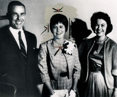Shirley Temple Black (far right) with her daughter Linda Susan Agar.