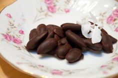 Chocolate Almond Clusters. Be sure to use dark chocolate! #paleo #primal