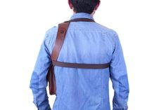 Leather shoulder holster bag / holster bag Made in FRANCE Leather Belt Bag, Leather Skin, Sacoche Holster, Military Fashion, Mens Fashion, Military Style, Gun Holster, Holsters, Bronze