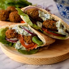 This easy vegan falafel recipe is the most delicious falafel you'll ever have. Crispy on the outside, fluffy on the inside and spiced with the wonderful flavours of cumin and coriander. These falafel Vegan Lunch Recipes, Cooking Recipes, Healthy Recipes, Recipes With Pita Bread, Vegetarian Gyro Recipe, Lunch Ideas Vegan, Veggie Meat Recipes, Veg Dinner Recipes, Vegan Recipes Easy Healthy