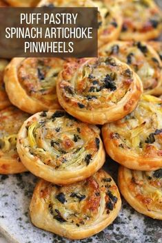 Puff Pastry Recipes Savory, Spinach Puff Pastry, Puff Pastry Appetizers, Frozen Puff Pastry, Appetizer Recipes, Recipes Using Puff Pastry, Holiday Appetizers, Yummy Appetizers, Brunch Recipes