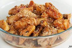 Kip met kweeperen, een heerlijk recept: http://www.kweepeer.nl/recepten/kip-met-kweeperen-poulet-aux-coings/