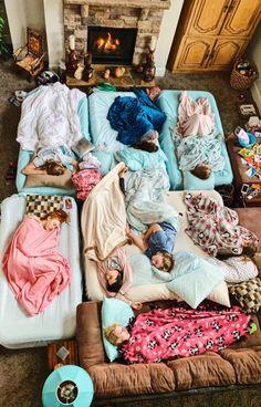 summer goals sleepover VSCO - Sleeping into 2019 like Photos Bff, Best Friend Photos, Best Friend Goals, Friend Pics, Fun Sleepover Ideas, Sleepover Party, Slumber Parties, Girl Sleepover, Sleepover Activities