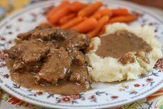 Σοφρίτο... ένα εξαιρετικό πεντανόστιμο πιάτο, ίσως το πιο κλασικό παραδοσιακό Κερκυραϊκόπιάτομαζί με το μπουρδέτο και τη παστιτσάδα. Ένα αρχικά απλοϊκό