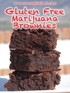 Cannabis Brownies: Recipe for Gluten Free Marijuana Brownies. Just because you are avoiding gluten does not mean you can't enjoy pot brownies. Sin Gluten, Marijuana Recipes, Cannabis Edibles, Cannabis Oil, Gourmet Recipes, Baking Recipes, Free Recipes, Gluten Free Brownies, Brownie Recipes