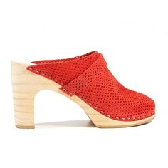 Love these peep toe clogs! #sandgrensclogs