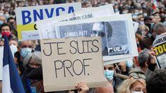 """Franţa nu se lasă călcată în picioare de islamism. Caricaturile """"Charlie Hebdo"""", proiectate pe clădiri din Toulouse şi Montpellier"""