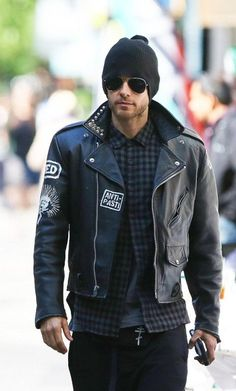 Jared Leto hangs out with his pal Terry Richardson in NYC Thirty Seconds To Mars, 30 Seconds, Leather Jacket Outfits, Terry Richardson, Shannon Leto, Just Jared, Perfect Man, Gorgeous Men, Beautiful Boys