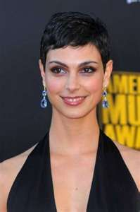 Cool Fashions Hair: Morena Baccarin with Short Layered Hairstyles