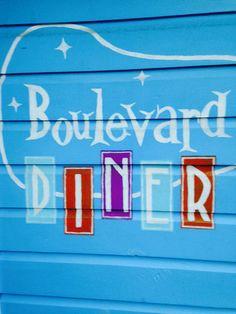 Old Boulevard Diner sign