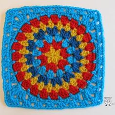 Circle in a square granny square tutorial