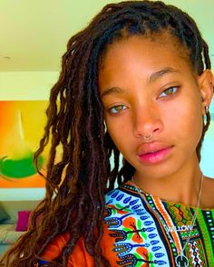 red table talk Im so paranoid about seeing people actively again I dont want to be in anyones presence but. at the same time. Dreadlock Styles, Dreadlock Hairstyles, Braided Hairstyles, Wedding Hairstyles, Pretty People, Beautiful People, Willow And Jaden Smith, Afro, Curly Hair Styles