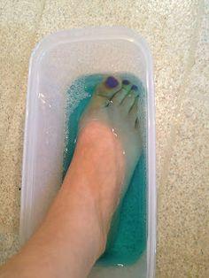 Listerine Foot Soak: use triple amounts: 3/4 cup listerine, 3/4 cup vinegar, 1 1/2 cups very warm water, add 3/4 cup epsom salt (Opt), and soak 30 min