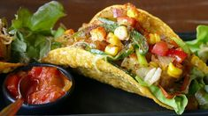 Vegetarian Tacos is a fun recipe and fast meal, which all kids love. This Mexican Vegetarian Tacos recipe takes only 10 to 12 minutes to make. Healthy Mexican Recipes, Low Carb Recipes, Taco Restaurant, Queso Fresco, Vegetarian Appetizers, Salsa Recipe, Taco Recipe, Food And Drink, Pasta