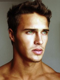 the prettiest green eyes i've ever seen. want. him. now.