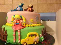 Teddy, Eep and Mary Quite Contrary are featured on this fan-made birthday cake!