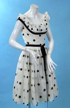 this is how to do polka dots, and not the lucille ball way