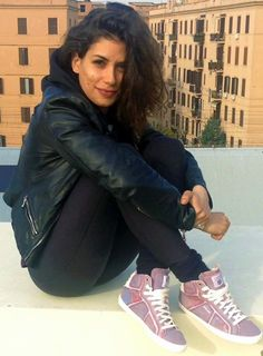 Photo: Giulia Michelini Dreadlocks, Girl Crushes, Celebrities, Hair Styles, Womens Fashion, Tv, Life, Ideas, Mahogany Hair