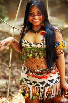 here is a beautiful picture of a young native indian girl. American Indian Girl, Native American Girls, Native American Beauty, Indian Girls, Tribal People, Tribal Women, Amazon People, Chica Fantasy, Native Girls