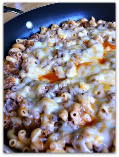 Cheesy Beefy Mac (Skillet Casserole) 1/2 Lb elbow macaroni, cook as directed. 1 Lb ground sirloin or beef and 1 diced onion, browned. Add 1 cup ketchup, 1/4 cup A1 Steak Sauce and 1 can cream of mushroom soup. Simmer five minutes. Season with salt and pepper, to taste. Top with 1 1/2 cups shredded Cheddar cheese *or Colby Jack. Cover and simmer till cheese melts. MMM