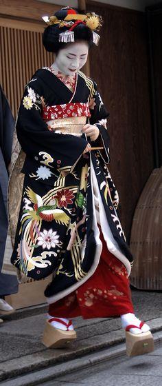 Marie had her misedashi, her debut as a maiko, in which she went to okiya (geisha houses), ochaya (tea houses), and local stores to thank everyone for their support. May, 2009, Gion, Kyoto, Japan. Text and photography by fuyou-hime on Flickr