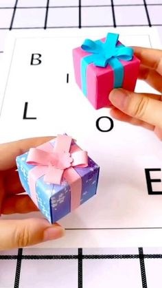 Diy Crafts Hacks, Diy Crafts For Gifts, Diy Crafts Videos, Diy Craft Projects, Diy Videos, Creative Crafts, Creative Box, Making Gift Boxes, Diy Gift Box