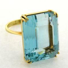 Vintage H. Stern Aqua Marine 26 Carats 18k Yellow Gold Ring