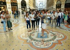 Spinning the bull's balls in Milan - What to do in Milan @lozula