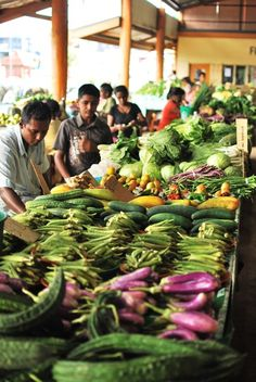 Local Markets in Fiji >> I love looking at markets around the world! #PinUpLive
