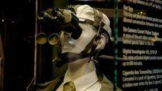 Museo Internacional del Espionage, Washington DC. Estamos ante el primer y único museo público de USA exclusivamente dedicado al espionaje. Cuenta con la mayor colección internacional, mostrada al público, de objetos relacionados con los espías. Descubre historias sobre estos personajes plasmadas en el cine, examina más de 200 artefactos para investigar, armas y micrófonos, y aprende sobre equipos de guerra psicológica.