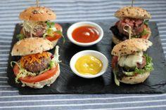 Las minihamburguesas, un placer gourmet en pequeñas dosis. Ideas para personalizar tus hamburguesas, desde la carne a las coberturas, las ensalada...